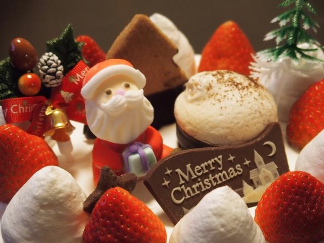 b7fe9139bb86264e95fcc679170ae684_s なんでクリスマスケーキって不味いの?